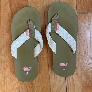 Vineyard vines women's braided flip flops